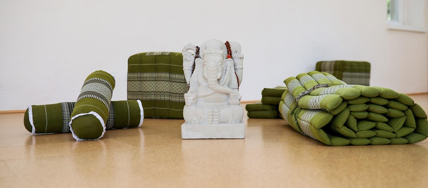 Yogaschule Karen Schmidt - Yoga in Gruppenkursen - Präventionskurse